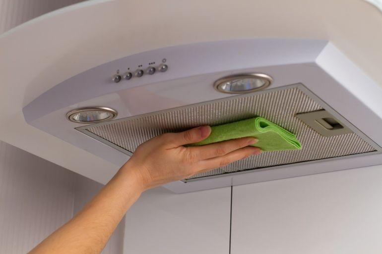 Как почистить вытяжку в домашних условиях