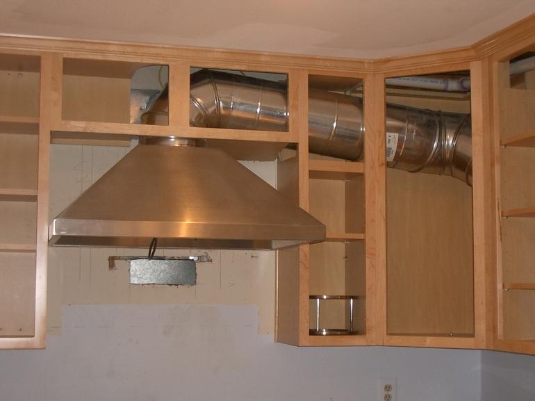 Вытяжка для кухни с отводом в вентиляцию картинки