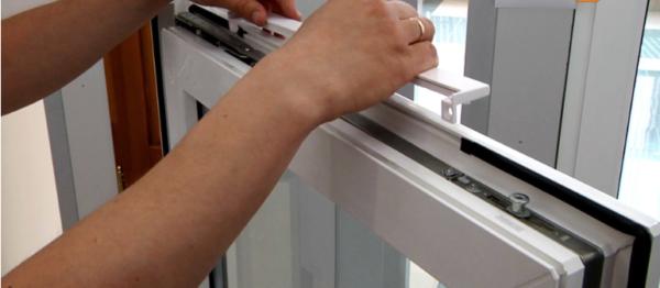 установка приточного клапан на пластиковые окна