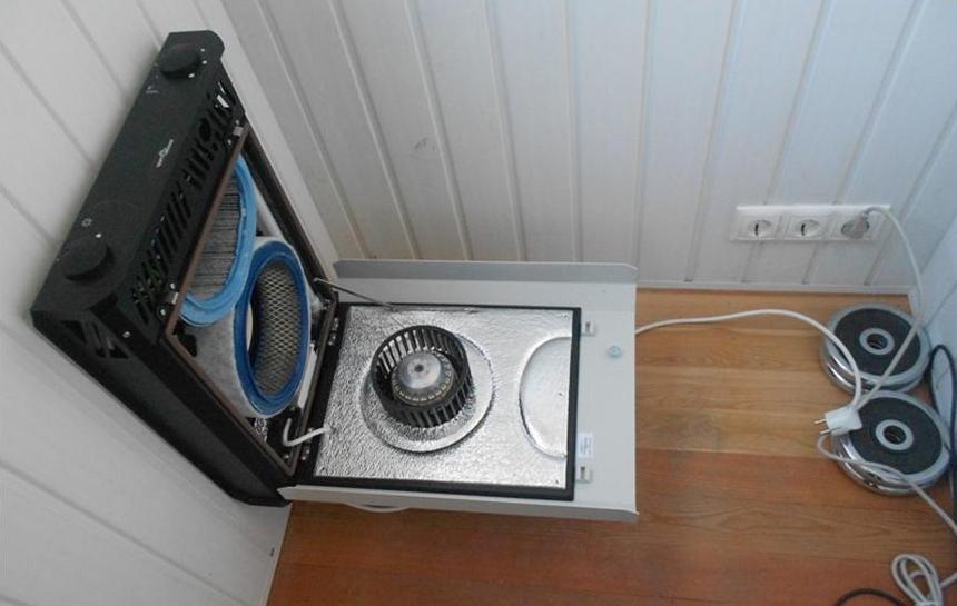 Вентиляция под потолком