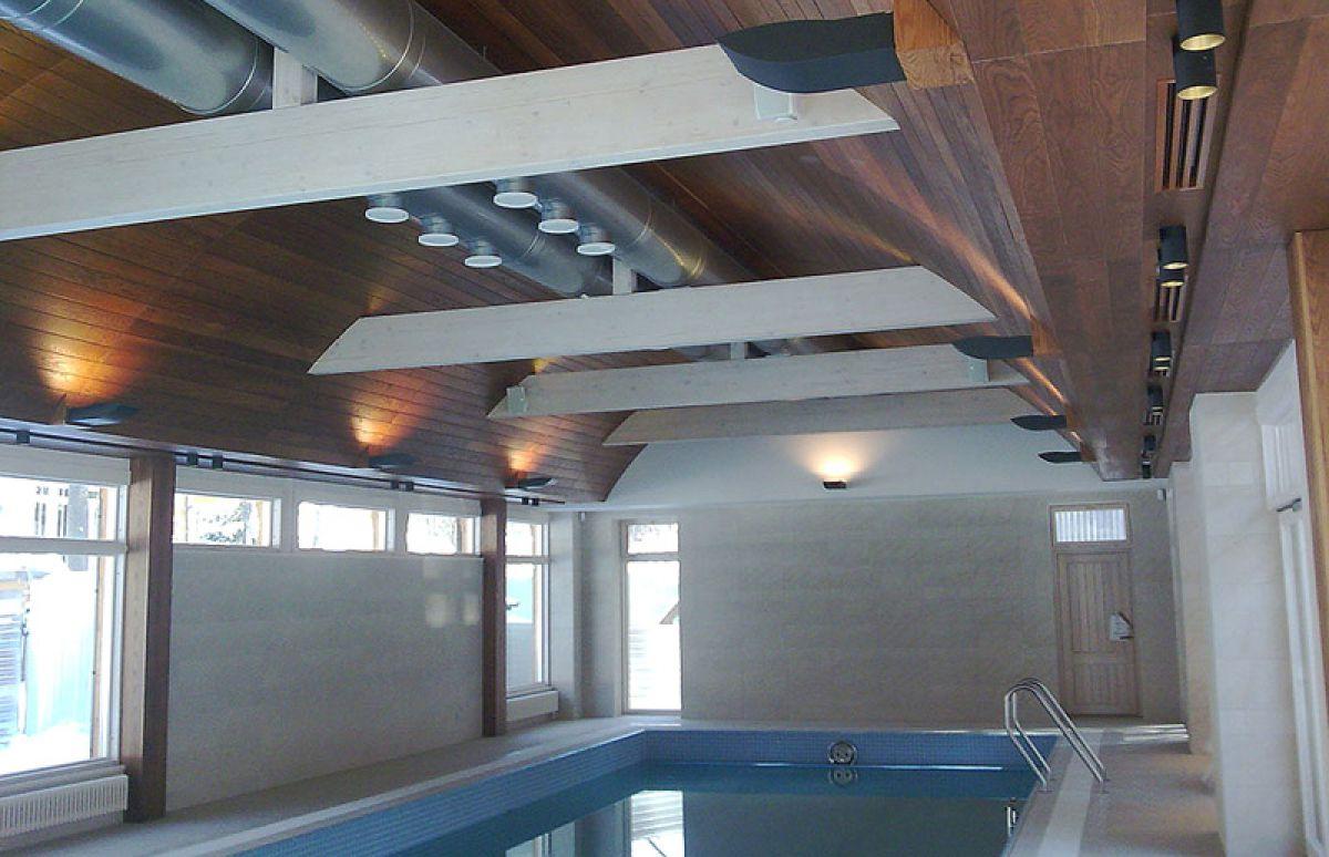 Вентиляционные трубы под потолком