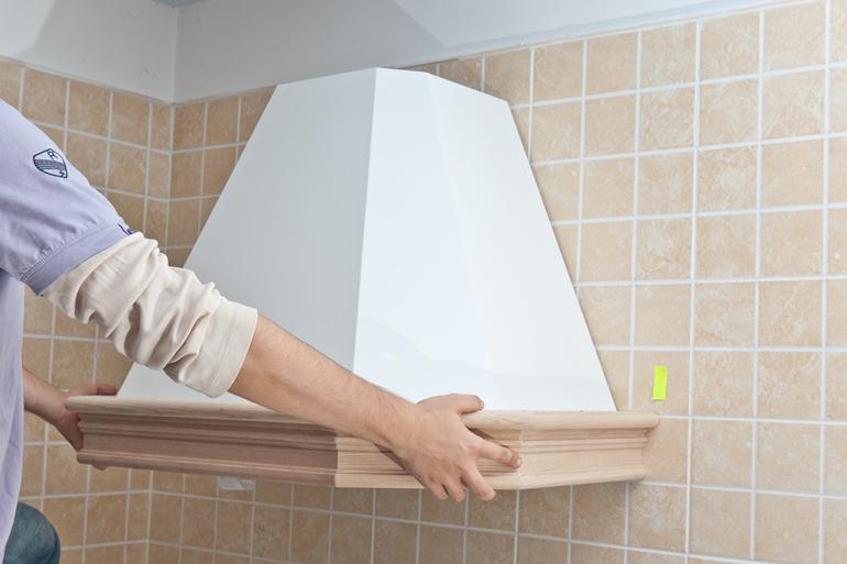 Установка и подключение вытяжки на кухне своими руками